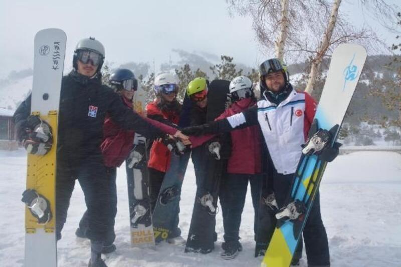 Snowboard Milli Takımı Erzurum'da kampta