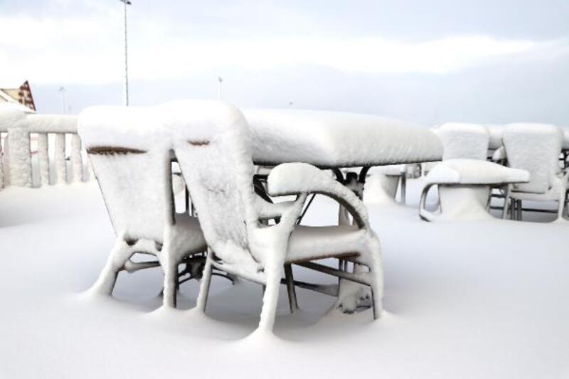 Yıldız Dağı Kayak Merkezi'nde kar bolluğu
