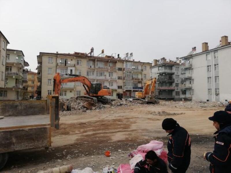 Elazığ'da yıkımı yapılacak binalardan malzeme alımları yasaklandı