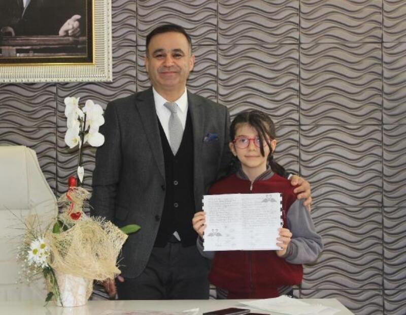 Matematik yarışmasında dünya 1'incisi olan Elanur Akıncı'dan Yahşi'ye ziyaret