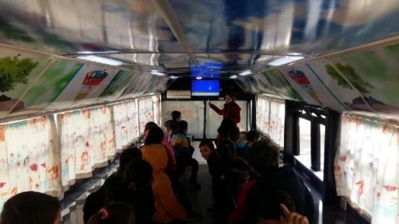 Hurda otobüs eğitim atölyesine dönüştü