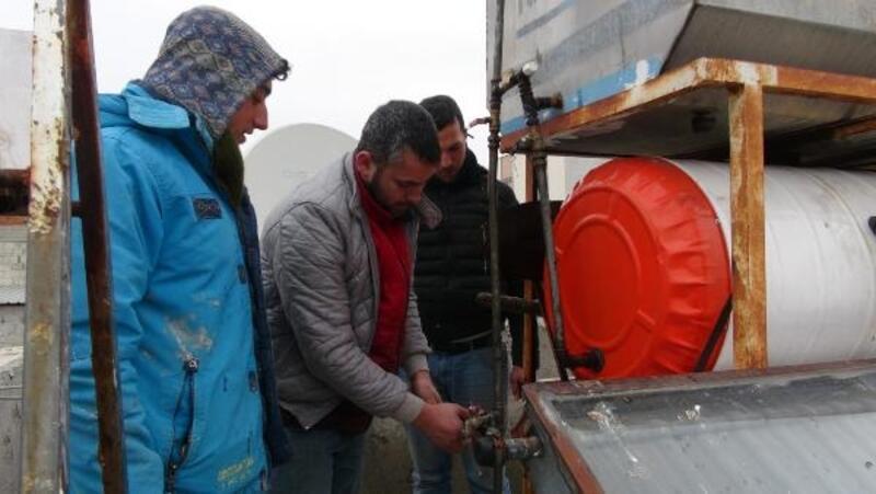 Kilis'te soğuk hava su borularını patlattı