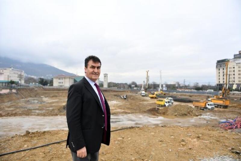 Dündar: 'Sadece bir meydan değil Bursa'yı değiştirecek mihenk taşı'