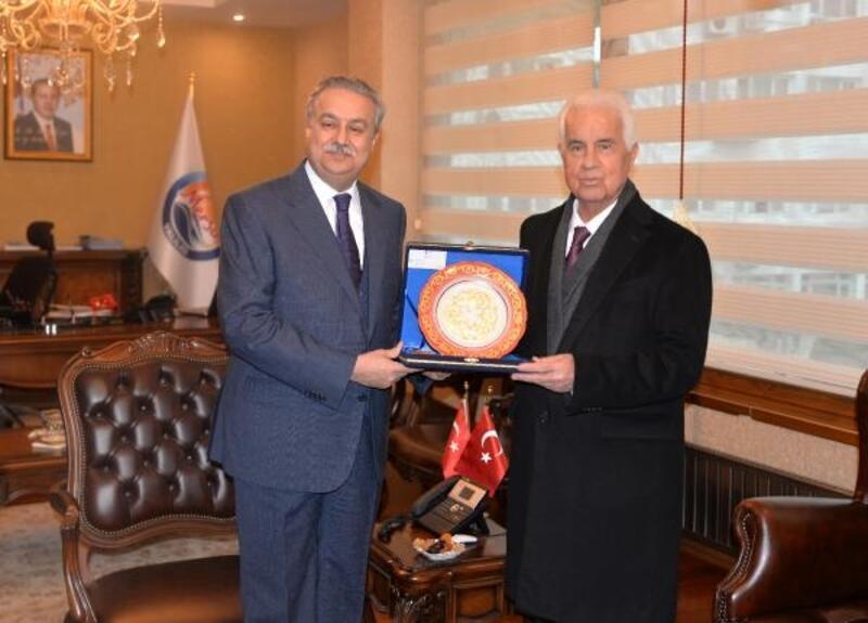 KKTC 3'ncü Cumhurbaşkanı Eroğlu Mersin'de