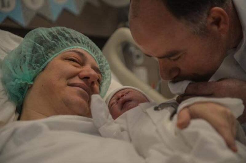 """20 yıllık uğraş sonunda dünyaya gelen bebek """"14 Şubat"""" hediyesi oldu"""