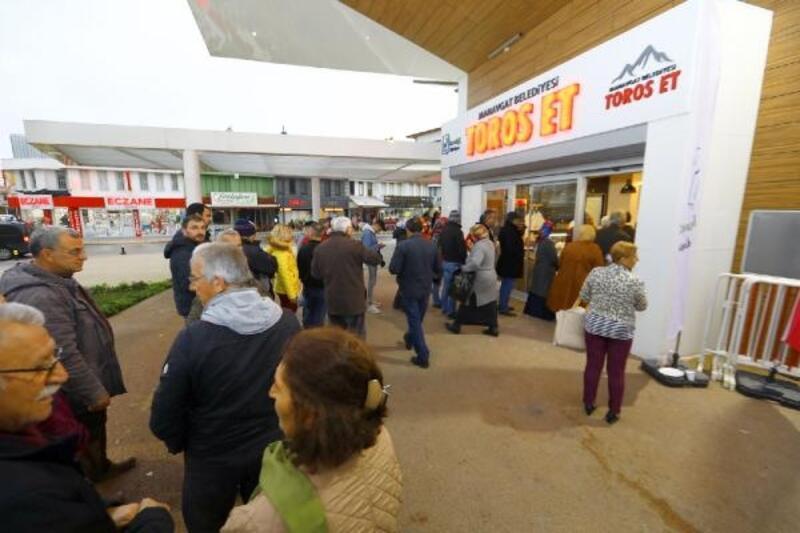 Manavgat'ın et ve süt mağazasına ilgi