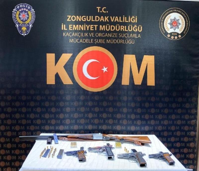 Kaçak silah ticaretinde 2 kişi tutuklandı