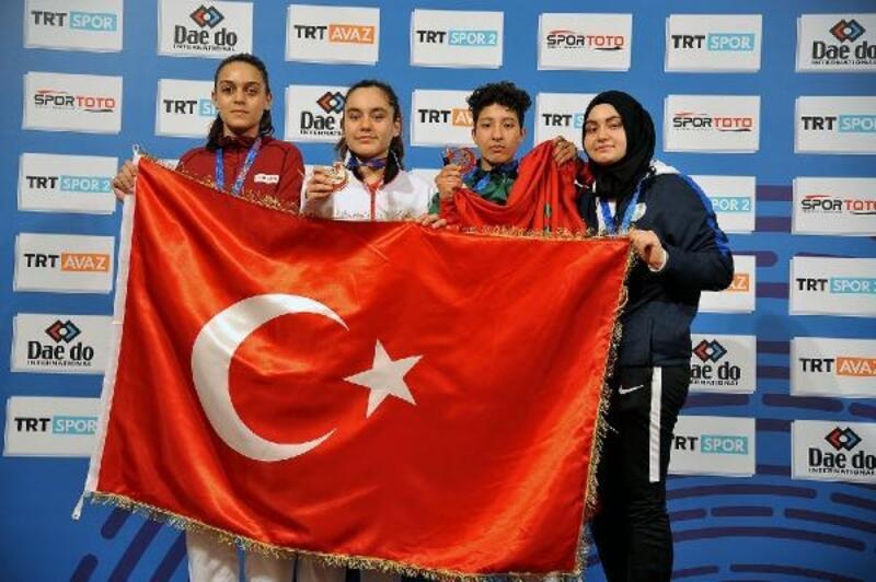 Mamak Belediyesi Taekwondo Takımı, adını dünyaya duyurdu
