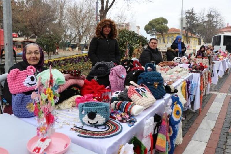 Edirneli kadınlar, Sevgililer Günü'nde 'el emeği' standı açtı