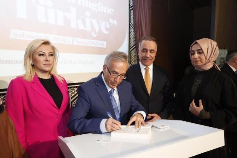 """Sultangazi'de """"Dünden bugüne Türkiye"""" konuşuldu"""