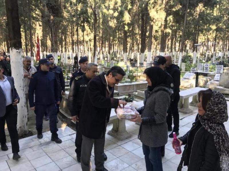 Şehit polis Fuat Kaplan mezarı başında anıldı