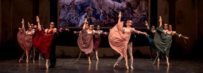 'Romeo ve Juliet' son kez alkışlandı