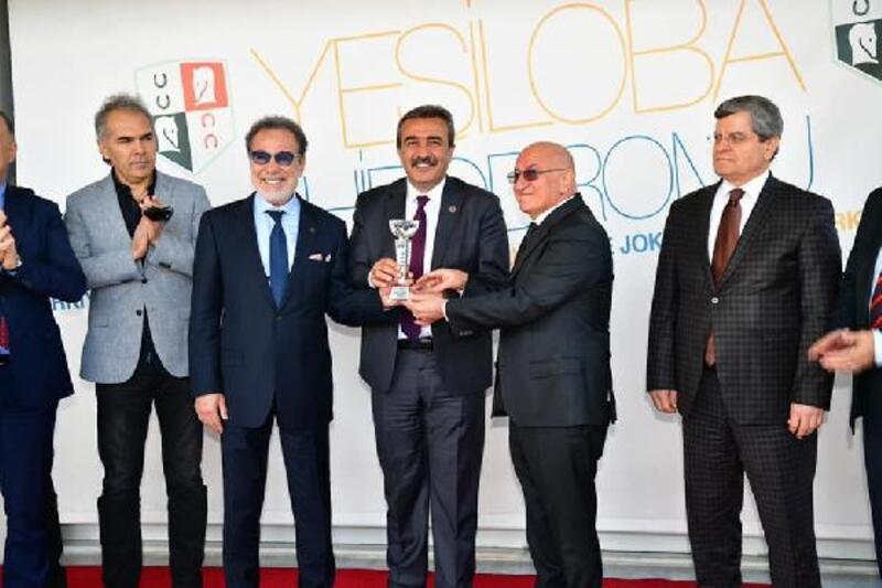 Çukurova Belediye Başkanlığı koşusunu Trilya kazandı
