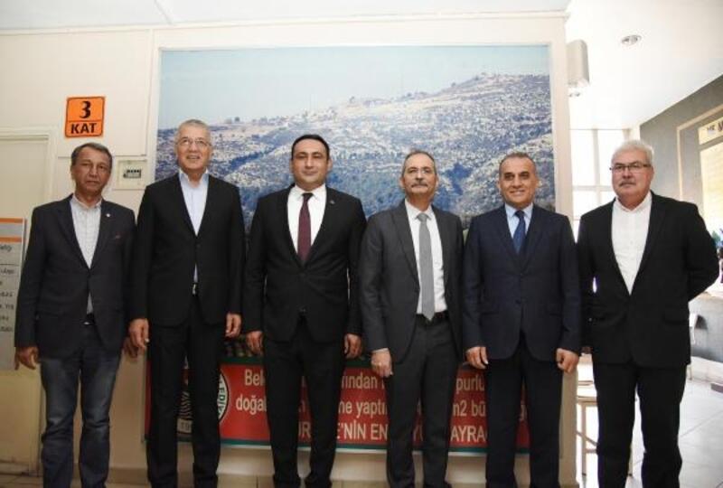 Mersin'de ilçe belediye başkanları bir araya geldi