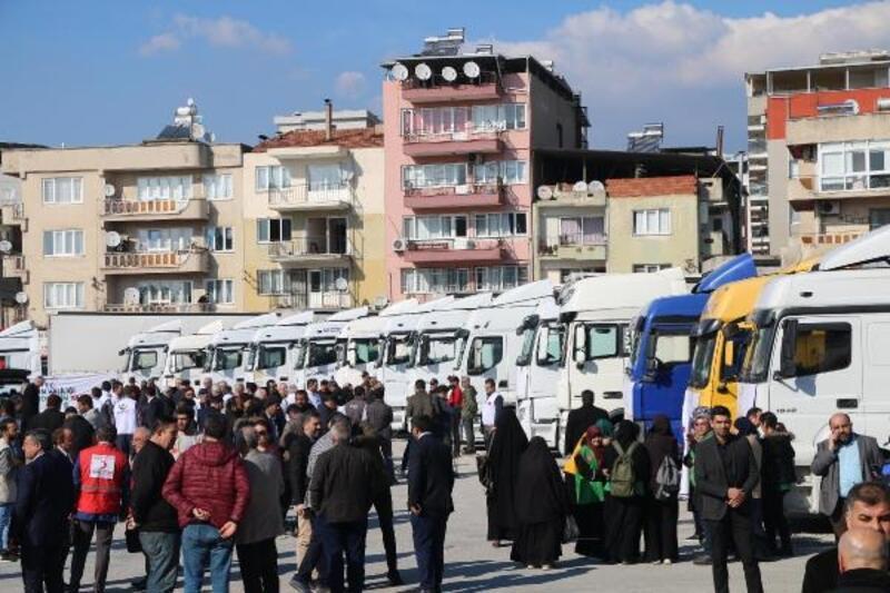 İdlib ve Elazığ için 28 TIR malzeme yola çıktı