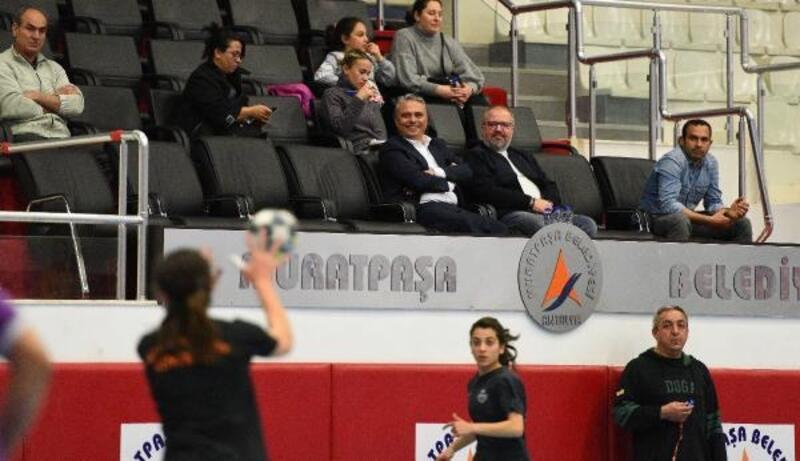 Antrenmanı Başkan Uysal da izledi