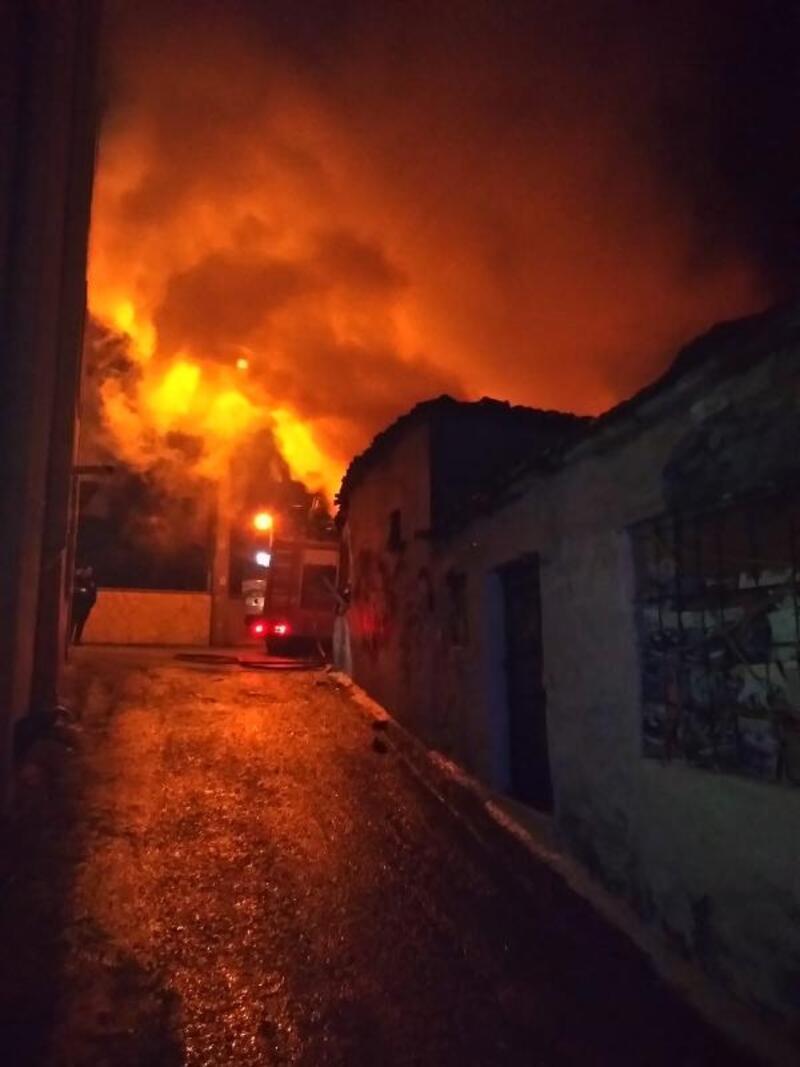 Keşan'da tek katlı evde korkutan yangın