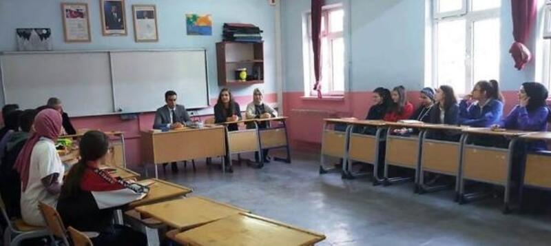 Öğrenciler, projelerini başkan ve kaymakama anlattı