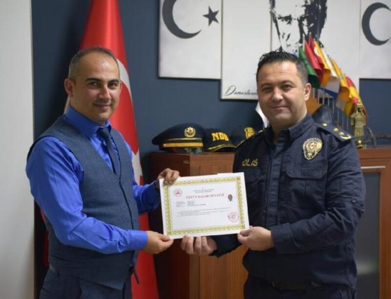 Polislere üstün başarı belgesi