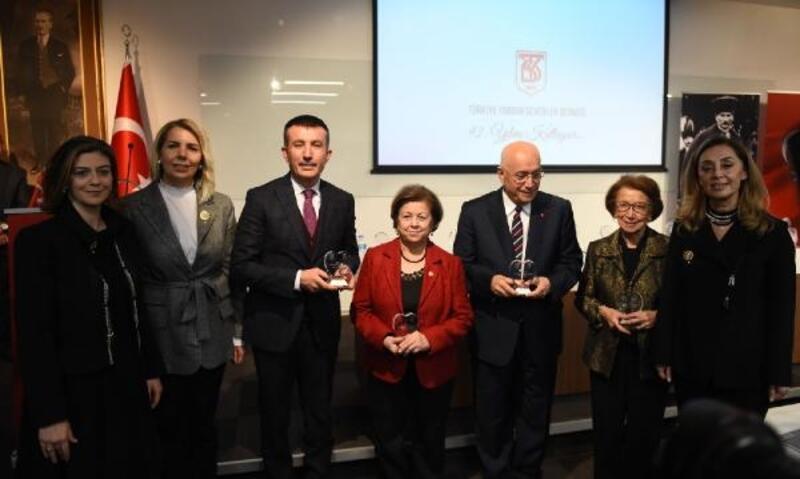 Başkan Balcı'ya 'Gönül' ödülü