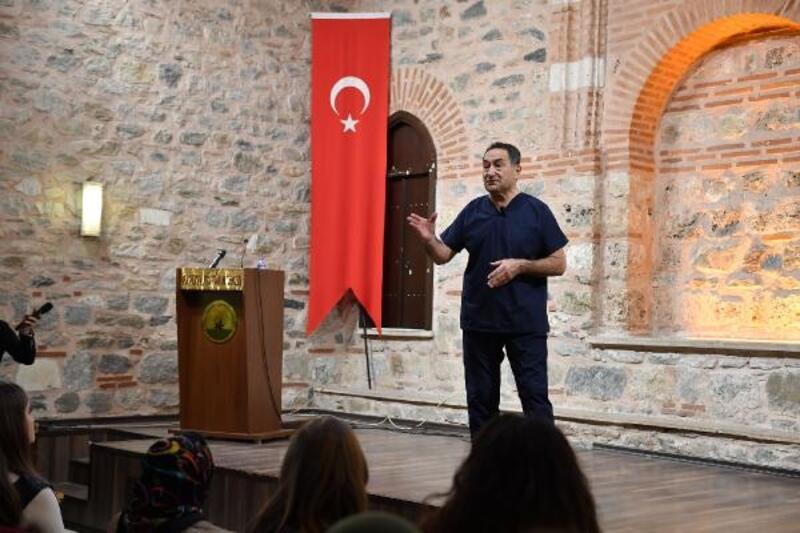 Op. Dr. Feridun Kunak, sağlıklı yaşamın inceliklerini anlattı