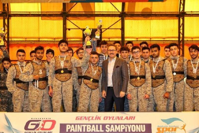 Başakşehir'de paintball turnuvası binlerce öğrenciyle yapıldı