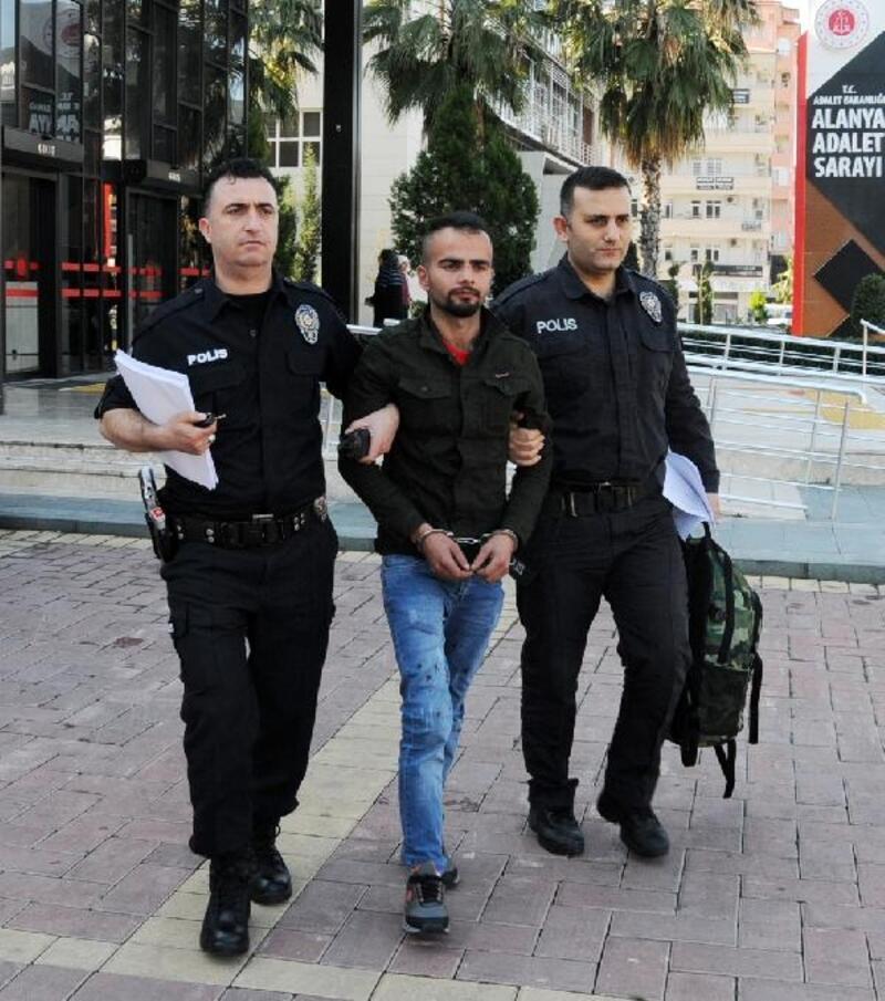 İş yerinden para çaldı, tutuklandı