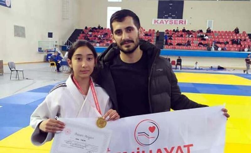 Osmaniyeli judocu altın madalya ile döndü