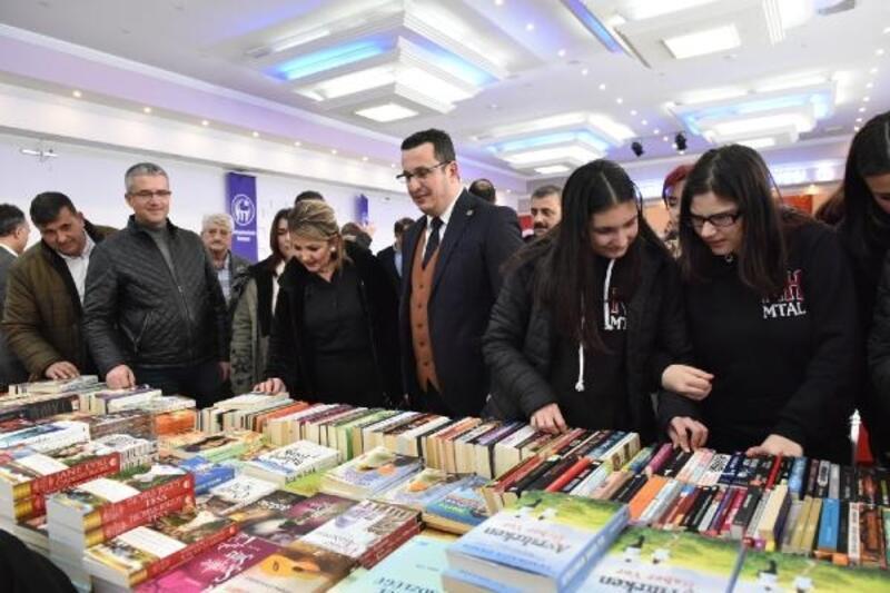 Mustafakemalpaşa'da 'Kitap Günleri'ne yoğun ilgi