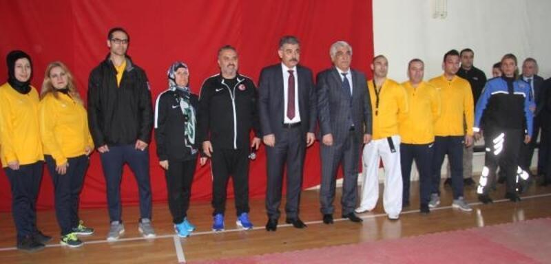 Emniyet Müdürü Karabörk'ten sporculara ziyaret