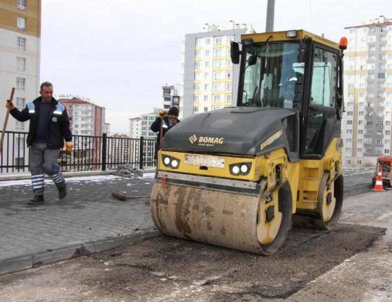 Talas'ta asfaltlama çalışmaları sürüyor