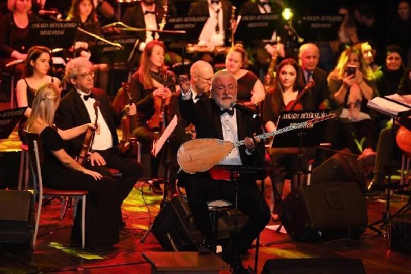 Büyükşehir'in sahnesinde Onur Akın'dan ilk konser