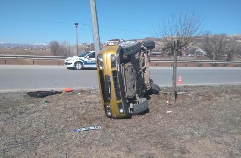 Gemerek'te takla atan otomobilin sürücüsü yaralandı