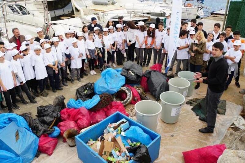 Akyarlar Koyu'nda deniz dibi temizliği