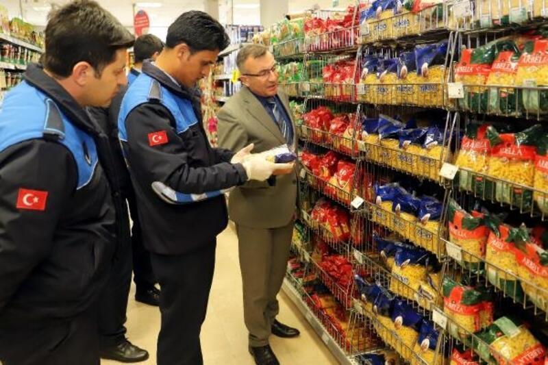 Zabıta ekipleri, fiyat artışı iddialarına karşı denetime çıktı