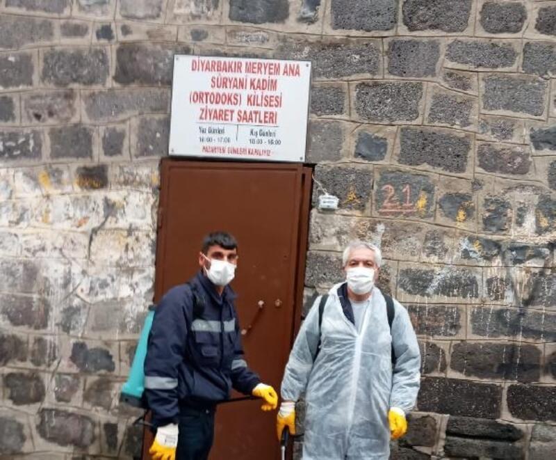 Diyarbakır'daki ibadethaneler dezenfekte edildi