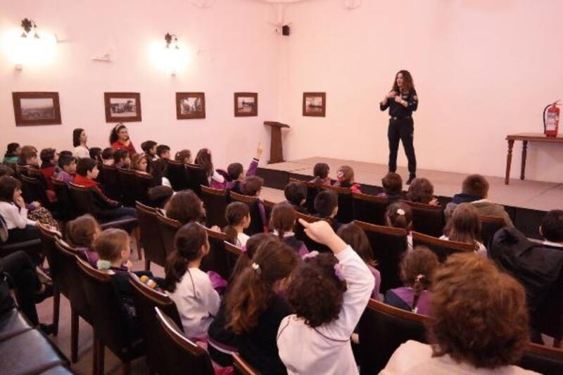 Mudanya'da ilkokul öğrencilerine yangın eğitimi