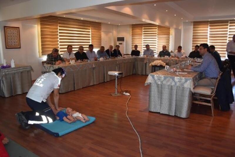 Kütahya'da protokol üyelerine ilk yardım eğitimi
