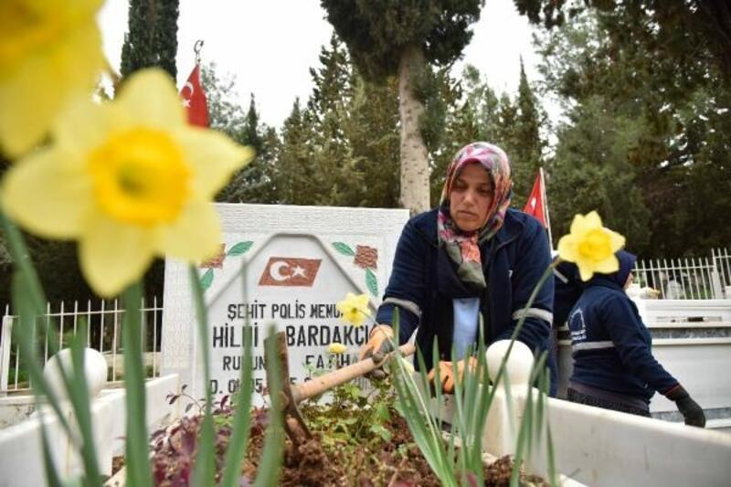 Adana Büyükşehir Belediyesi'nden mezarlık ve şehitlik çalışması