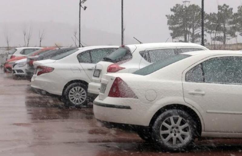 Burdur'da kar etkili oldu
