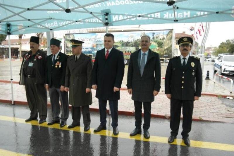 Atatürk'ün Tarsus'a gelişinin 97'nci yılı törenle kutlandı