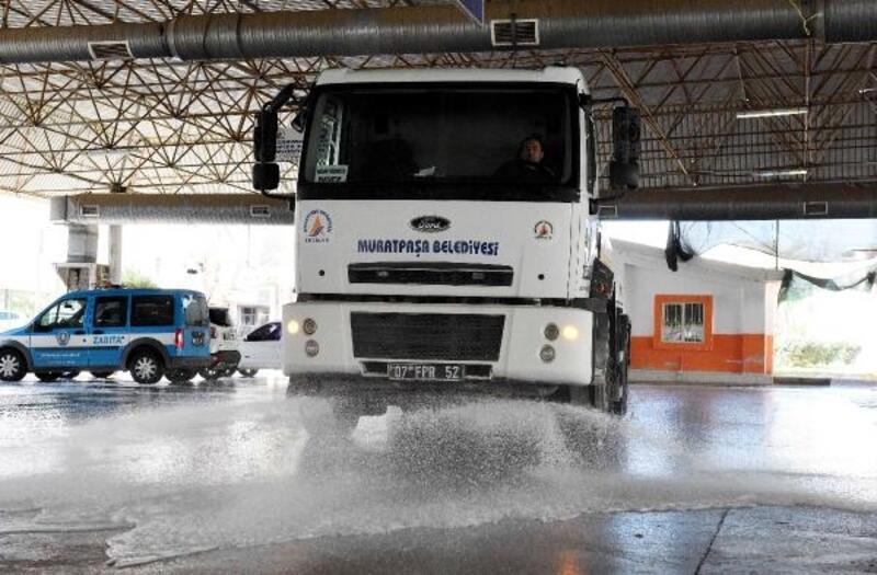 Muratpaşa'da temizlik harekatı