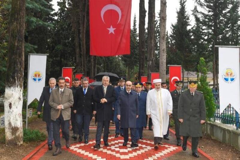 Adana'da Çanakkale şehitleri törenle anıldı