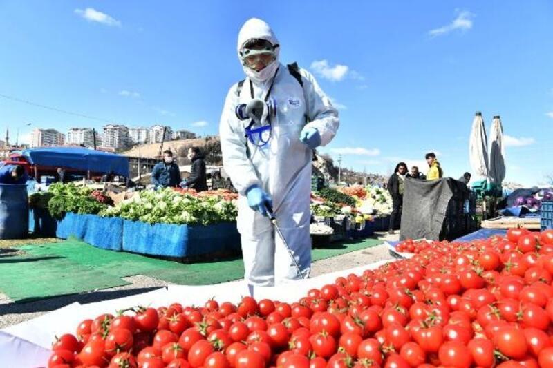 Mamak'ta semt pazarları dezenfekte edildi