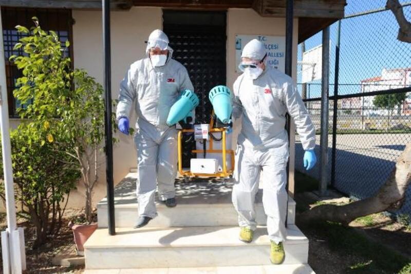 Kepez'de kamu kurumları dezenfekte ediliyor