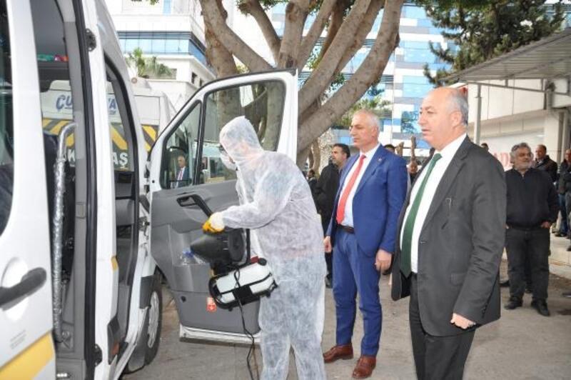 Adana'da öğrenci servisleri dezenfekte edildi