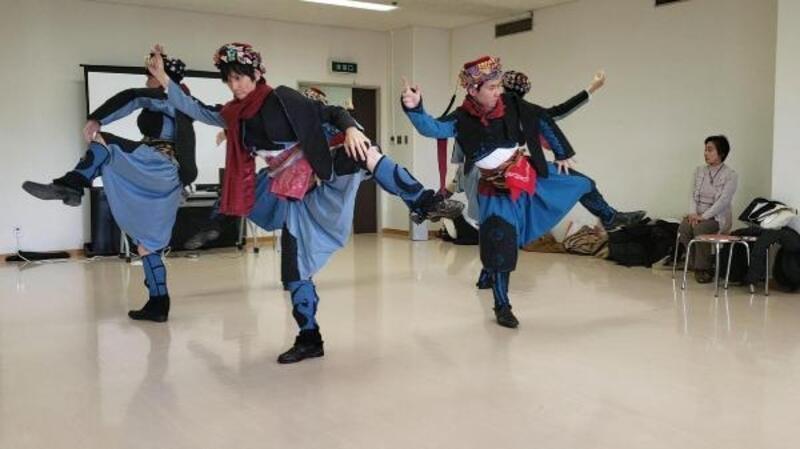Japon genç, Denizli'de öğrendiği zeybeği ülkesinde tanıtıyor