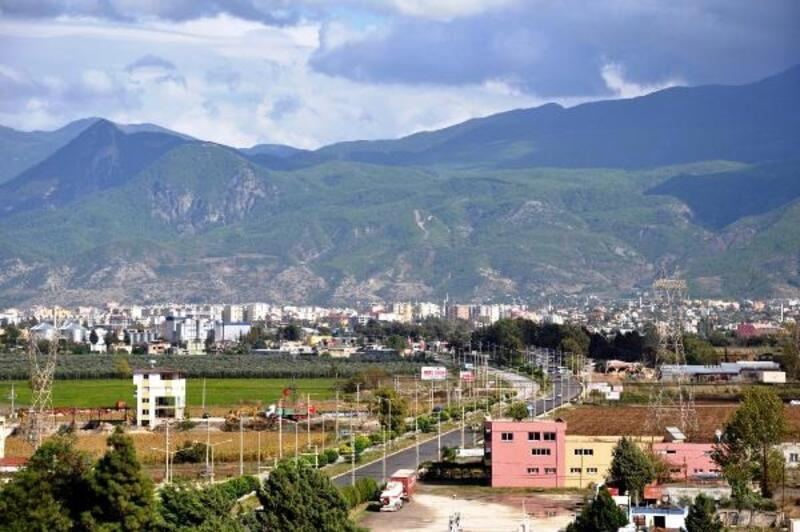 Osmaniye'de, araç satış ve hayvan pazarları kapatıldı