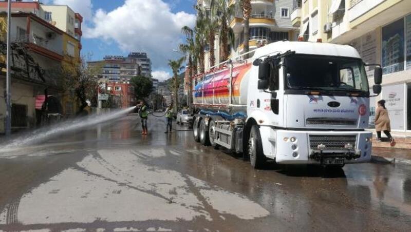 Anamur'da cadde ve sokaklarda hijyen çalışması