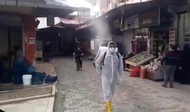 Tarihi Uzun Çarşı'da dezenfekte çalışmaları yapıldı
